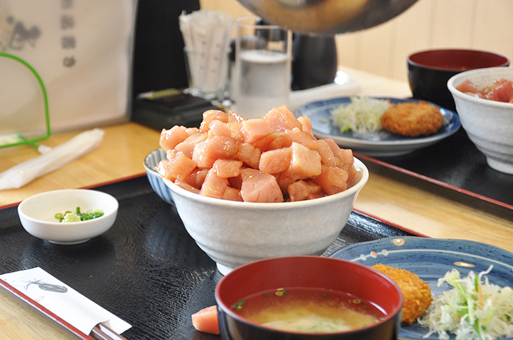 best tuna shizuoka - shizuoka food shimizu fish market kashi no ichi Uoichiba Shokudo all you can eat tuna maguro