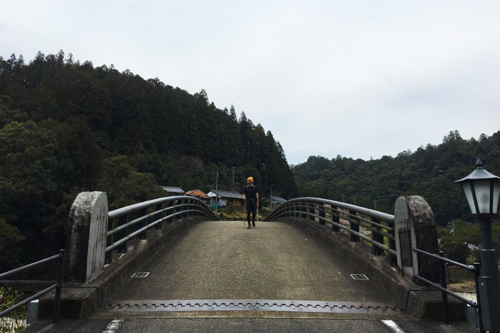 Coming toward the end of the hike near Koguchi was another treat. This small valley town sidling the Akagi-gawa river was quaint and calm.