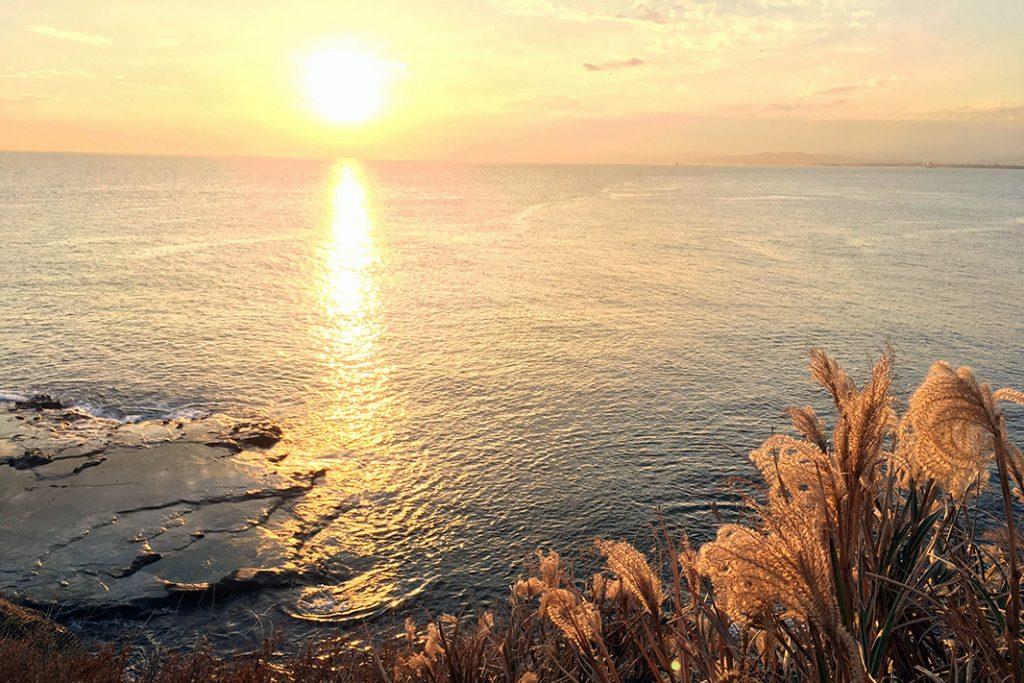 Finally, the sun sets over Enoshima.