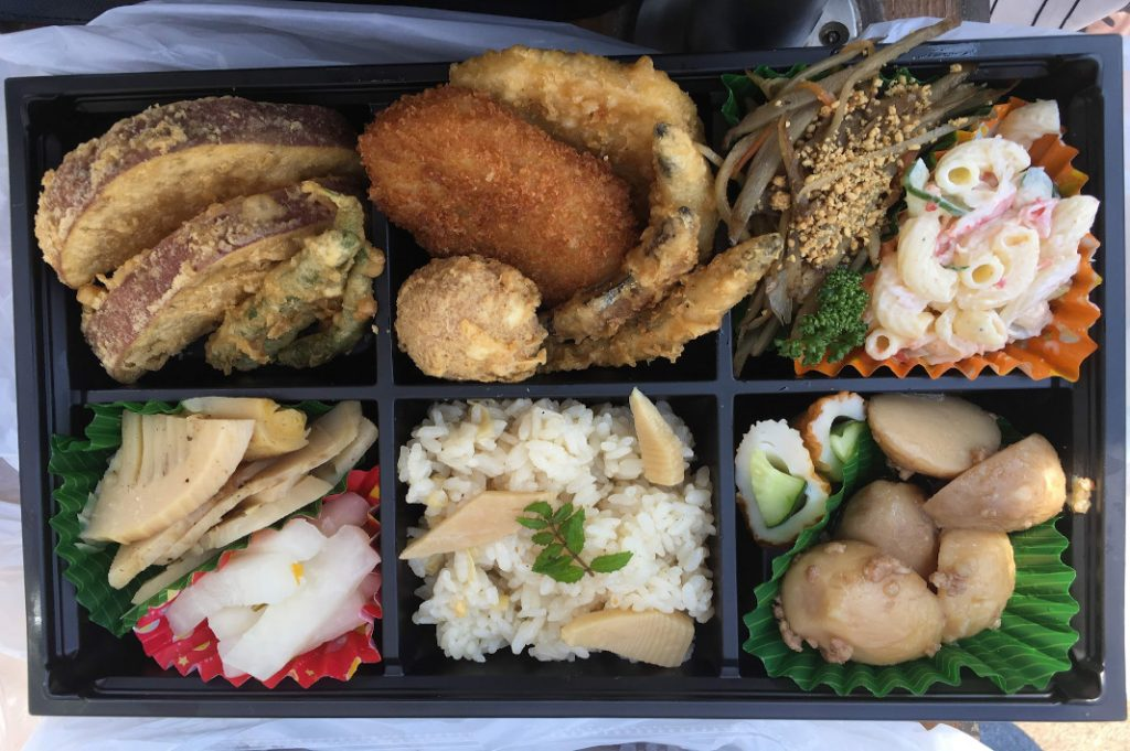 Locally made bento boxes are often even taster than their convenience store counterparts.