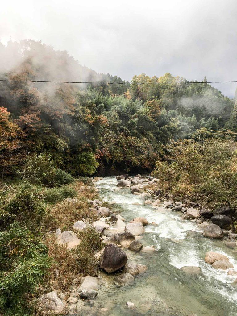 walking magome to tsumago: the Nakasendo Trail
