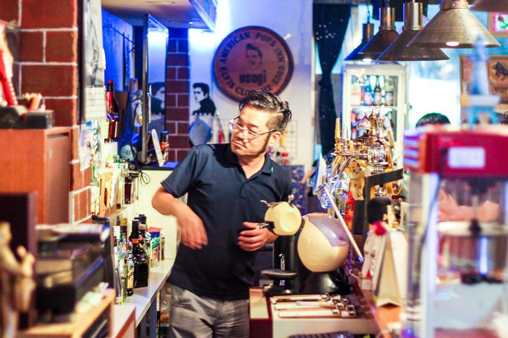 Osaka bar usagi osaka elvis themed bar