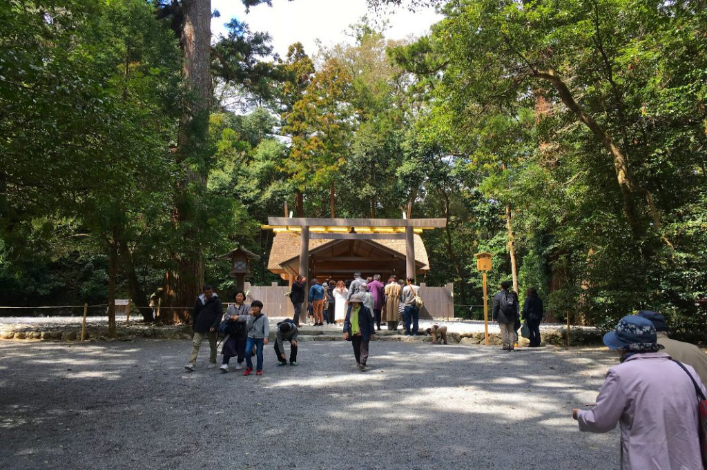 The Grand Ise Shrine was quiet even amidst the hustle and bustle of tourists.