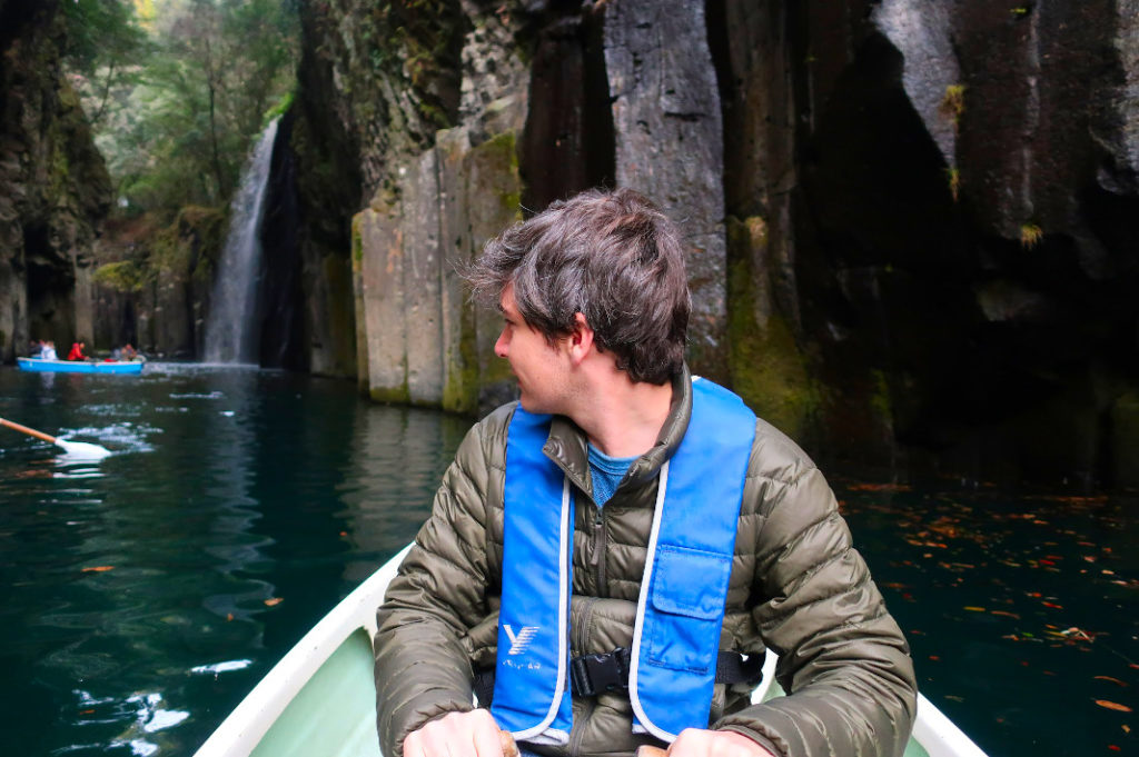My arms were a little bit tired after rowing through Takachiho Gorge for half an hour.