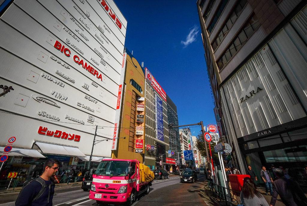 Electronic stores in Ikebukuro (big camera, yodobashi camera)