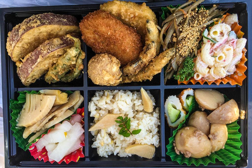 A picnic lunch in Ohori Park
