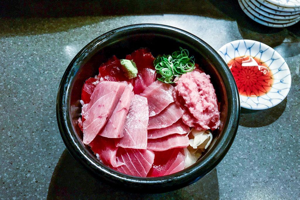 Three-colour tuna bowl