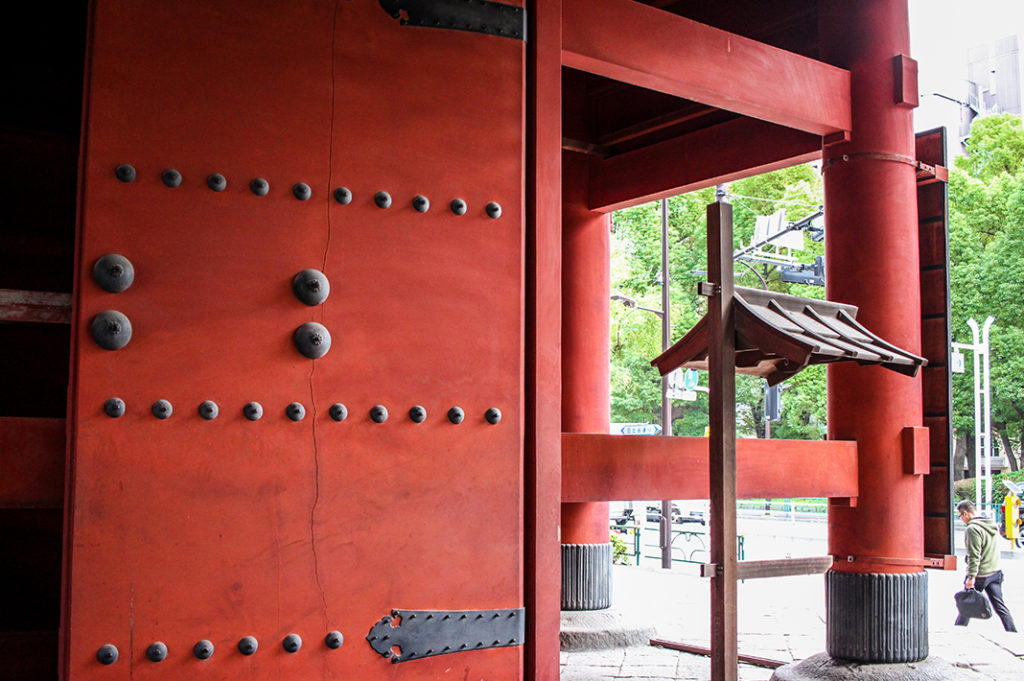 The oldest wooden structure in Tokyo is at Zojoji Temple, one of the most fascinating temples in Tokyo
