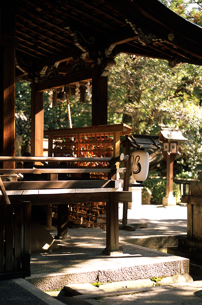 Okazaji Jinja (whose patron animal is the white rabbit) is close to central Kyoto, but remains as peaceful as the city was decades ago.