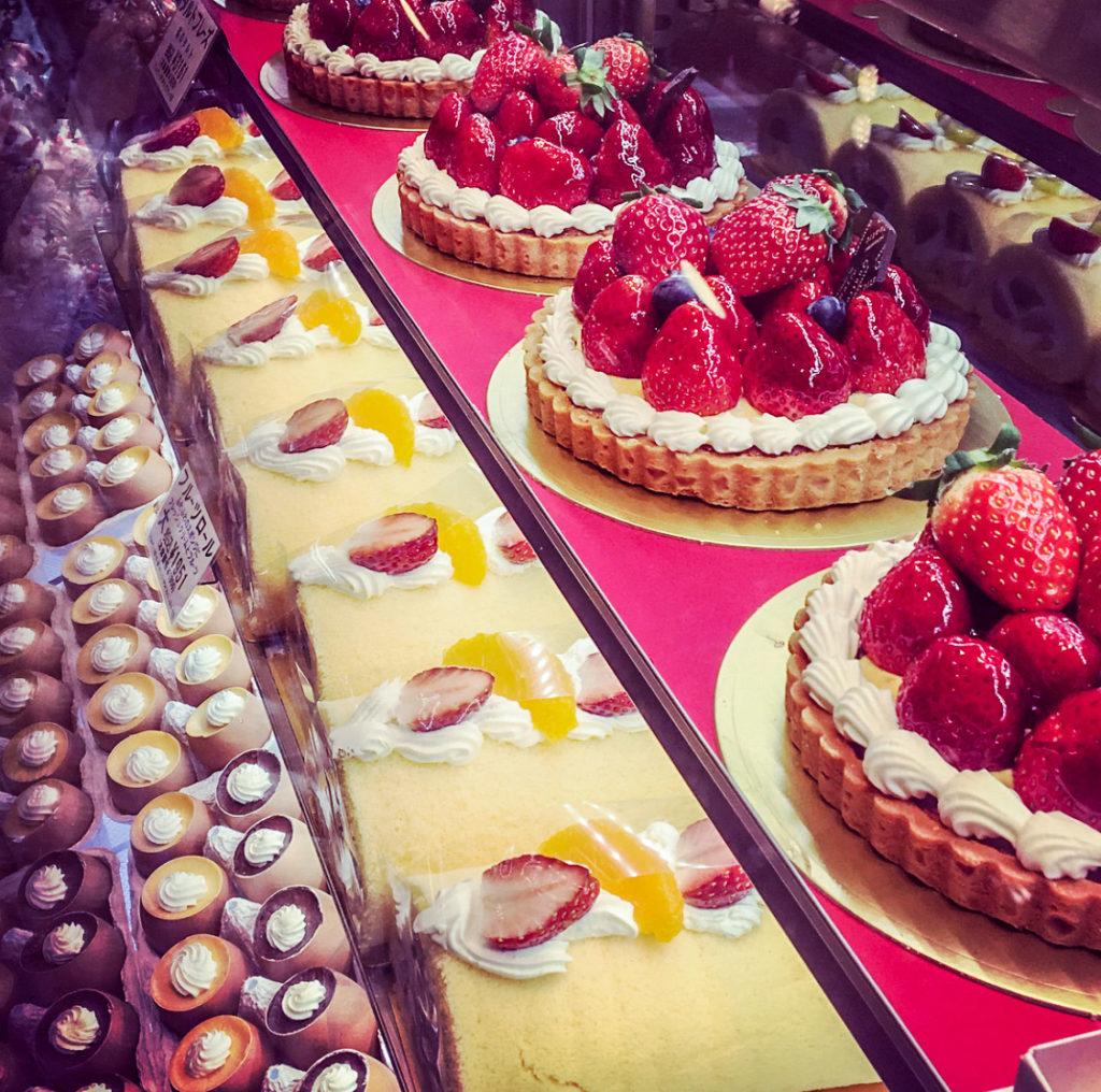Desserts everythwere!
