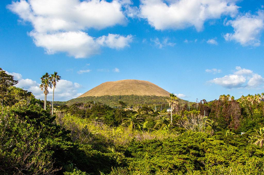 Mount Onidake: Fukue Island is the largest of the Goto Islands, famous for local cuisine, beautiful coastal scenery and abundance of Catholic churches.