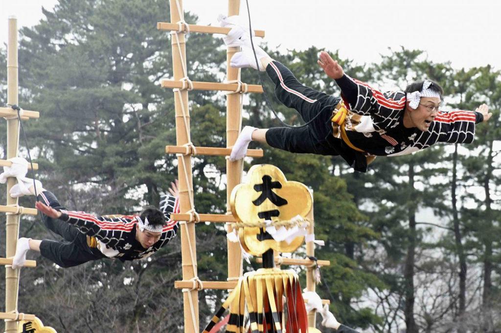 kanazawa firefighter festival kaga tobi