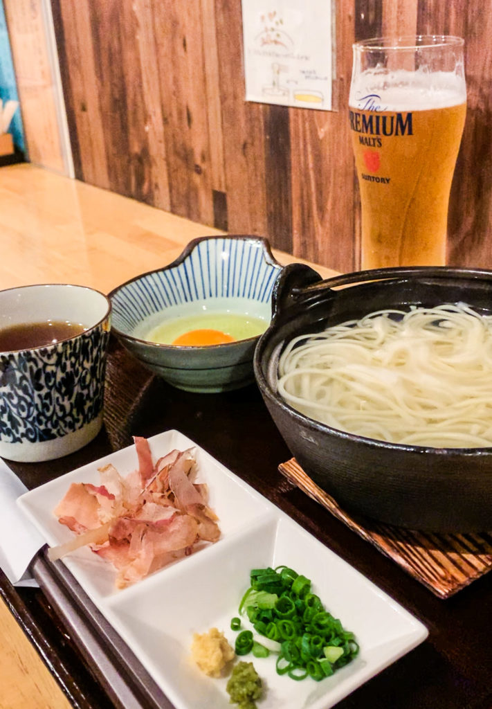Goto udon is a delicious variation of udon, endemic to Nagasaki's Goto Islands. Served boiling hot, it's one heavenly 'hellpot.'